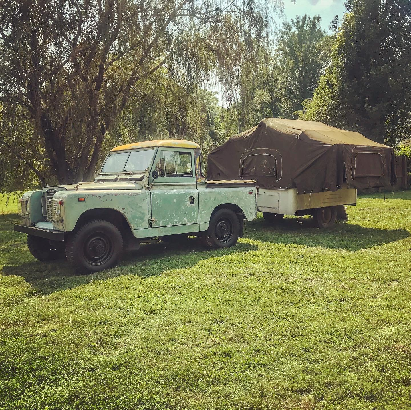 Vintage LandRover Truck - Junk In This Truck