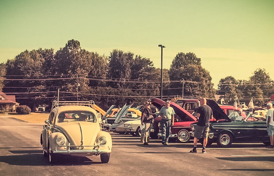 Vintage VW Bug - Junk In This Truck
